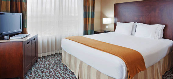Holiday Inn Express Hotel & Suites Salinas Executive suite